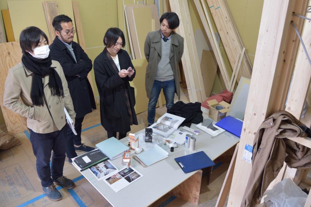 シェアハウスZEZE大阪の現場会議