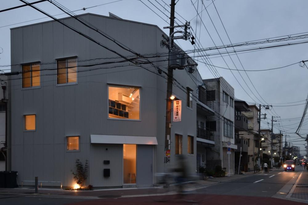 ZEZEが街の風景に馴染んでる|シェアハウスZEZE大阪