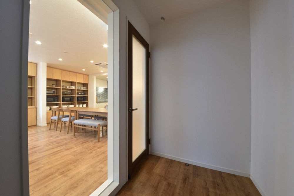 ENTRANCE / 玄関|TESENのシェアハウス SEN 大阪