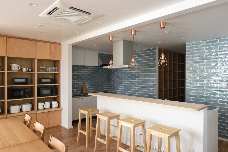 KITCHEN & COUNTER / キッチン&キッチンカウンター|TESENのシェアハウス SEN OSAKA