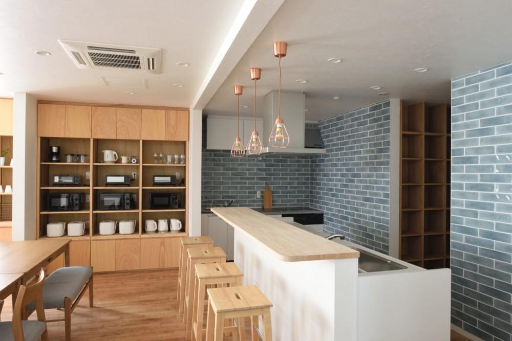KITCHEN & COUNTER / キッチン&キッチンカウンター|TESENのシェアハウス SEN 大阪