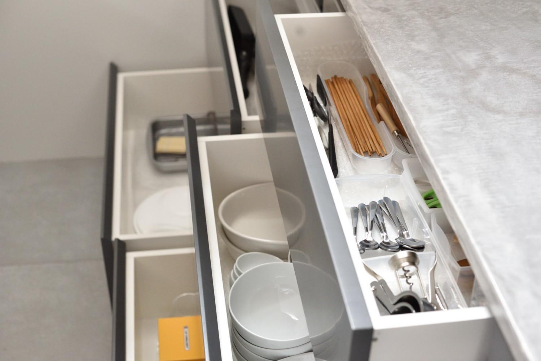 KITCHEN & COUNTER / キッチン&キッチンカウンター|TESENのシェアハウス ZEZE OSAKA