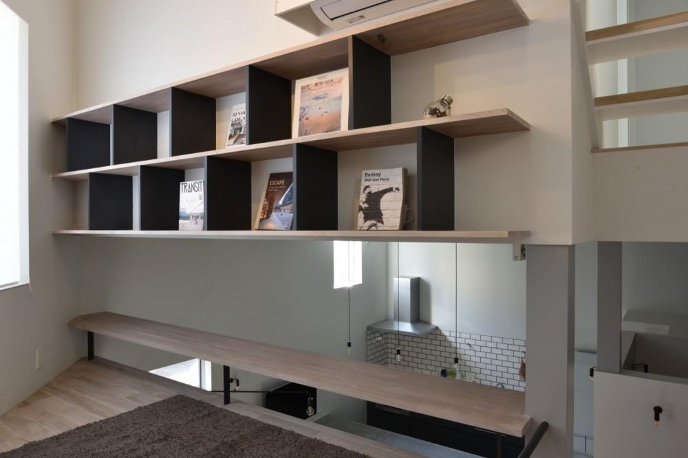 LIBRARY LIVING / ライブラリーリビング|TESENのシェアハウス ZEZE OSAKA