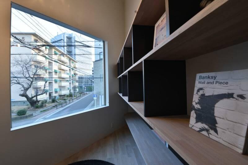 02LIBRARY LIVING / ライブラリーリビング|TESENのシェアハウス ZEZE 大阪