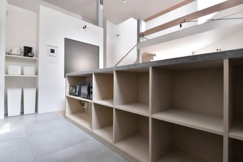 01PERSONAL STORAGE 個人収納|TESENのシェアハウス ZEZE 大阪